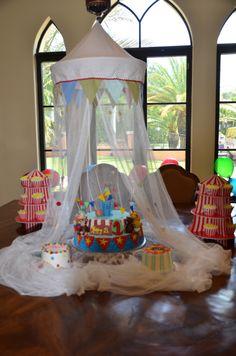 "Circus / Carnival Cake - O & E's Cake(s), including ""popcorn"" cupcakes"
