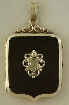 locket - Victorian