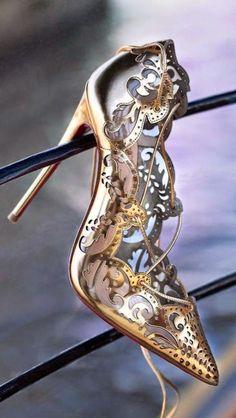 Beautiful Gold Impera Pumps