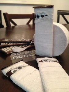 Halloween Halloween Halloween Mummy - easy craft project