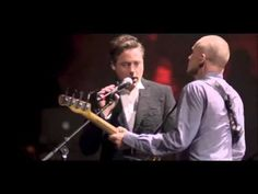 ▶ Robert Downey Jr Sings With Sting And Absolutely Kills It - YouTube