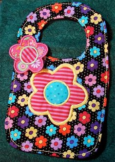 ITH Drooler Bib - Cute Embroidery Designs