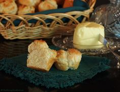 Easy Biscuit Rolls   The Saucy Southerner A great simple homemade bread addition for holiday cooking.