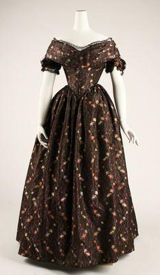 1839-1841 Dress