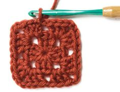 How to Make a Granny Square | crochet today