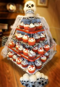 cupcake ideas for halloween party cupcake wars on pinterest halloween cupcakes ideas and - Halloween Cupcake Holder