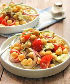 Ensalada de garbanzos, tomates y mozzarella