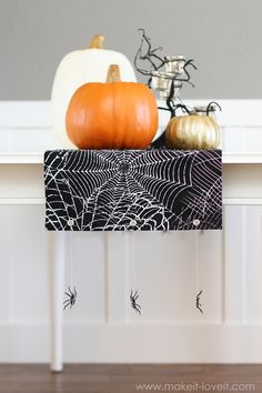 Halloween table runner with spiders (no sew)
