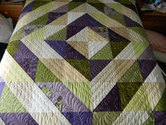 triangl quilt, green quilt, triangle quilts, half square triangles, halfsquar triangl, nice color, quilt board, half square triangle quilt
