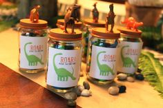 DIY Dinosaur Party Favors. I have so many little toy dinosaurs, now I finally know what to do with them!