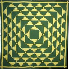 DELECTABLE MOUNTAINS ANTIQUE PIECED QUILT, c. late 19th c, dynamic graphic, excellent condition, large size