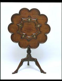 Tripod tea table | 1737-8