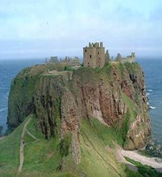 i want to see old scottish castles