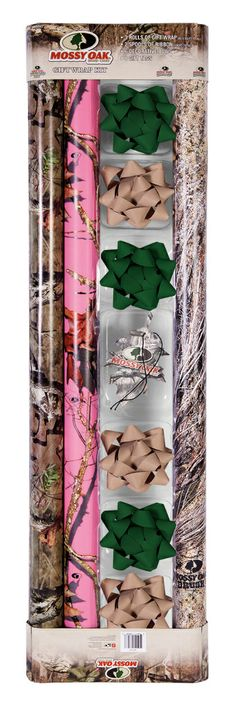 Make your great gifts stand out with this Mossy Oak Gift Wrap Kit.