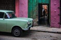like traveling back in time: an old car, in old havana. (june 2014)
