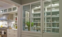 I love the glass doors on this butlers pantry!