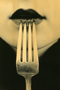 white photographi, 2009, forks, lip, photographi noir, detail photographi, valeri galloway, galloway luscious, valerie galloway