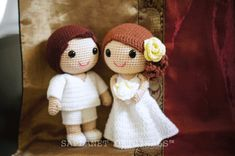 Bella and Wally, Beach wedding couple.  #weddingdolls #wedding #saplanetoriginals #crochet #handmade #amigurumi #decoration #gifts #beachwedding