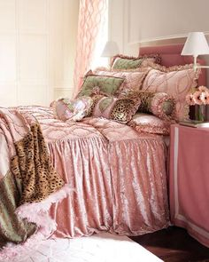 Couture bedroom for little girls {I'm a big Girl and want it}