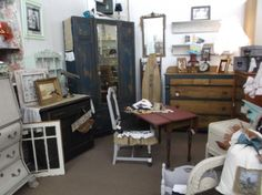 """Main Street Antique Mall was voted """"Best Antique Shop"""" by the East Valley Tribune. With our recent expansion and addition of Main Street Antique Row we have opportunities for Quality Antique Dealers. If you want to be a part of the Best Antique Mall in the Valley, stop in to reserve your Booth, Showcase or Bookcase space today. ***7260 E Main St, Mesa, AZ 85207 *** 480-924-1122"""