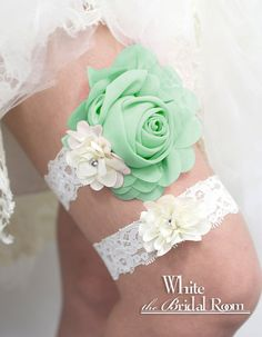 Light Green Rose with White Lace Bridal Garter, Light Green Wedding Garter Set, Flower Bridal Garter Belt, White Bride Garter #handmade #wedding