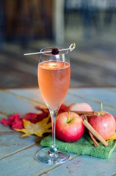 Happy Hour Happens: Fizzy #Fall #Cocktails