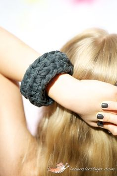 crochet bracelet in black