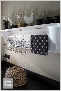 Wireware as art in the kitchen.