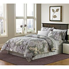 A violet blossom pattern bed set for my apartment.