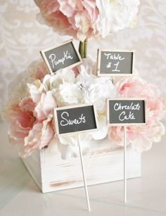 Label your reception food and drinks with these mini chalkboard signs!