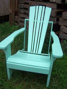 Adirondack Chair Made From Recycled Upcycled Pallet Wood. More pallet patio, gardening, DIY furniture ideas and inspiration at http://pinterest.com/wineinajug/passion-for-pallets/