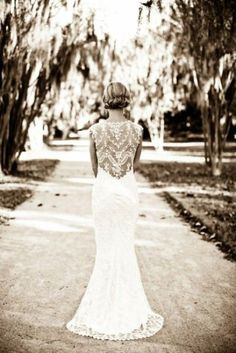 LOVE!  #lace #weddingdress