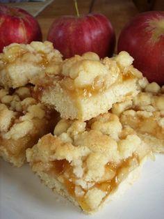 apple crumb bars