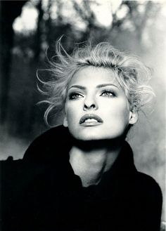 Linda Evangelista (Photography by Karl Lagerfeld) | 1995