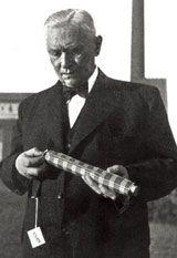 Hans Haupt inventor of an folding umbrella