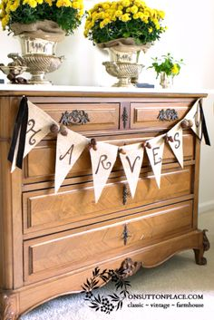 How to Make a Reversible Burlap Banner - NO SEWING!