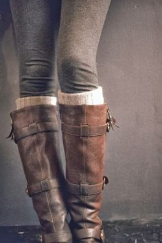 I love the worn in, cozy and effortless feel I get from this picture. It's not even about the boots...