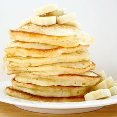 Banana Pancakes // A Bitchin' Kitchen.  Just made these for breakfast and they were delicious!