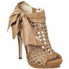mesh beige shoes with beige ribbon