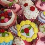 Knitted cupcake pin cushions, ideasmag.co.za