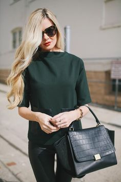 Fashion Barefoot Blonde by Amber Fillerup Clark olive green, oliv green, leather bags, barefoot blond