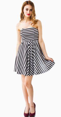Black & White Strapless Flare Dress #partydress