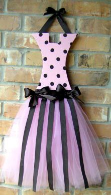 so cute!  something to hang all of my child's hair bows on.