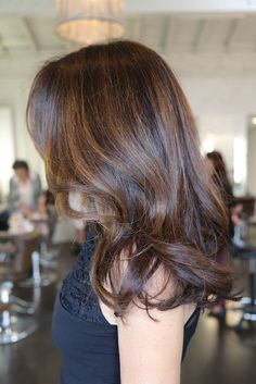 I love this brunette color and highlights