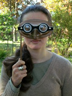 Make your own steampunk goggle mask.