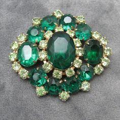 Vintage Brooch Rhinestone Emerald Green Pin by PurpleDaisyJewelry, $36.00