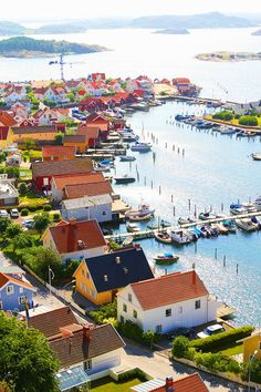 Colorful houses on the coast.  Fjällbacka, Sweden ( http://www.kevinandamanda.com/whatsnew/travel/stunning-sweden.html )