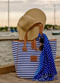 Sweet striped tote http://rstyle.me/n/h7m36nyg6