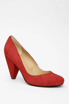 shoes, urban outfitters, red, style, uo sued, sued pump, pumps, oranges, heels