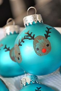 thumbprint reindeer ball ornaments by hiidy